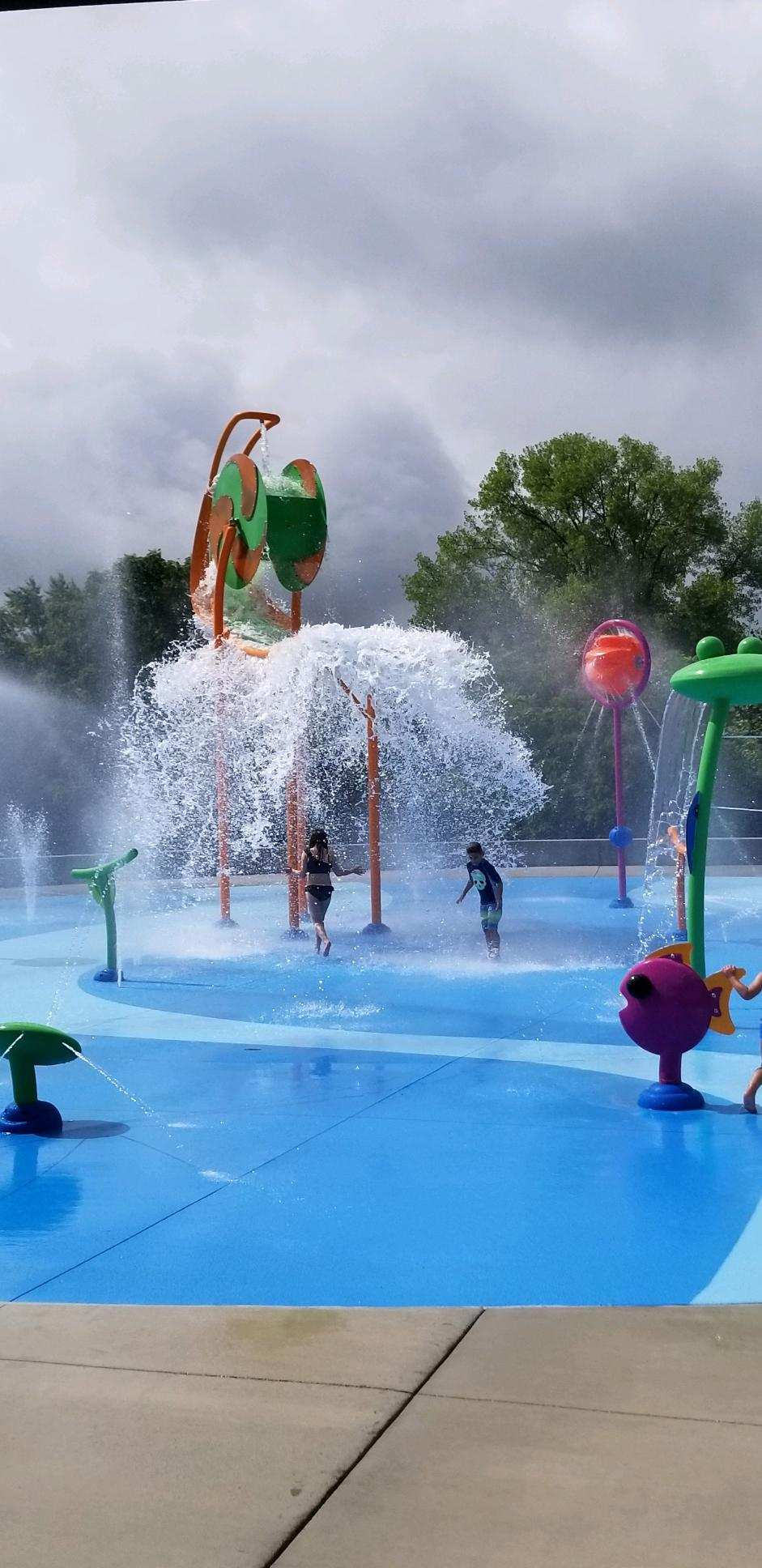 splash pad with kids
